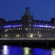 Norstedts natt utsikt neonskylt av FocusNeo