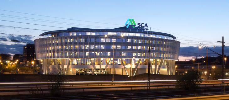 SCA huset takskylt i byggnad av FocusNeo