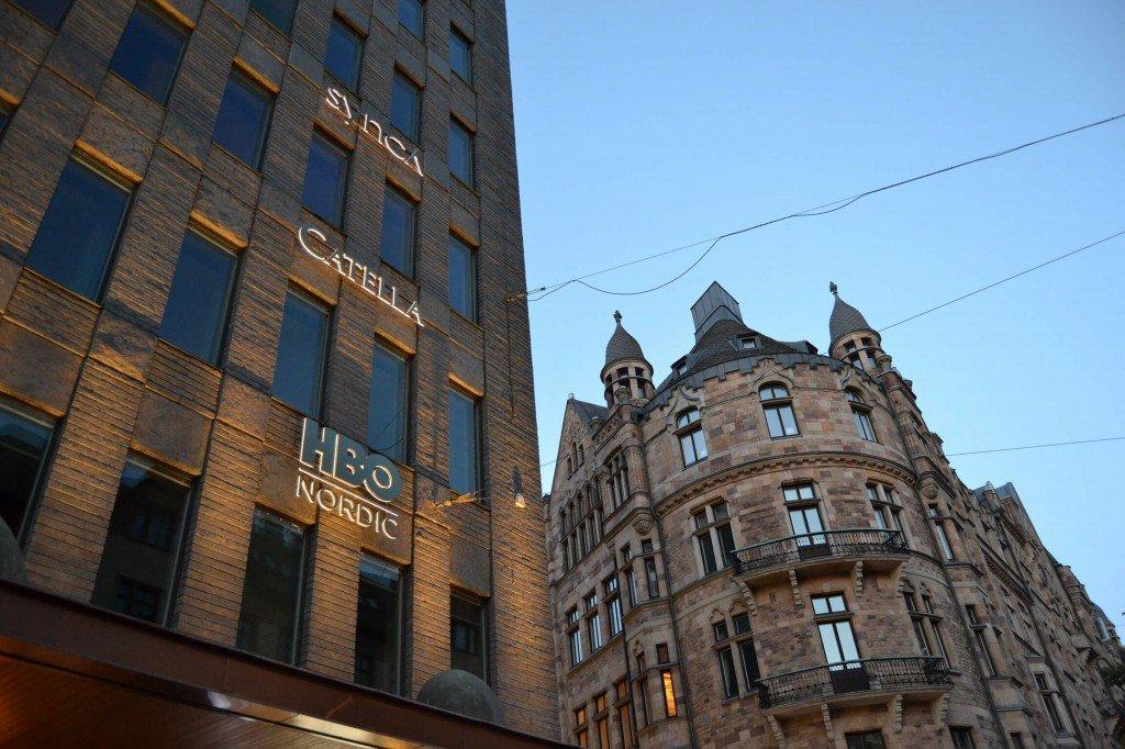 HBO Nordic fasadskyltar i byggnad av FocusNeo