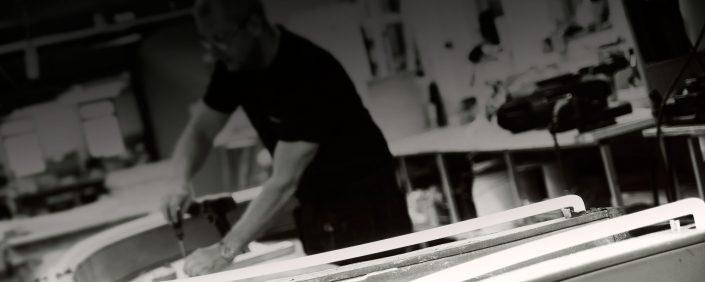 Skyltföretag anställd som arbetar med Led tecken i stockholm | FocusNeo