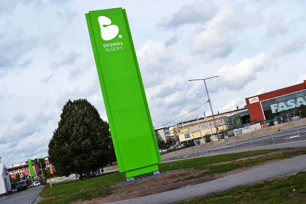 Bromma Blocks Pyloner skyltar av FocusNeo